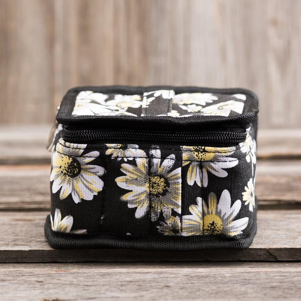 Medium Durable Daisy Print Essential Oil Carrying Case