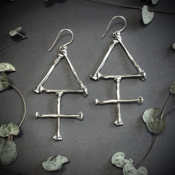 The Alchemist Earrings: Sulphur