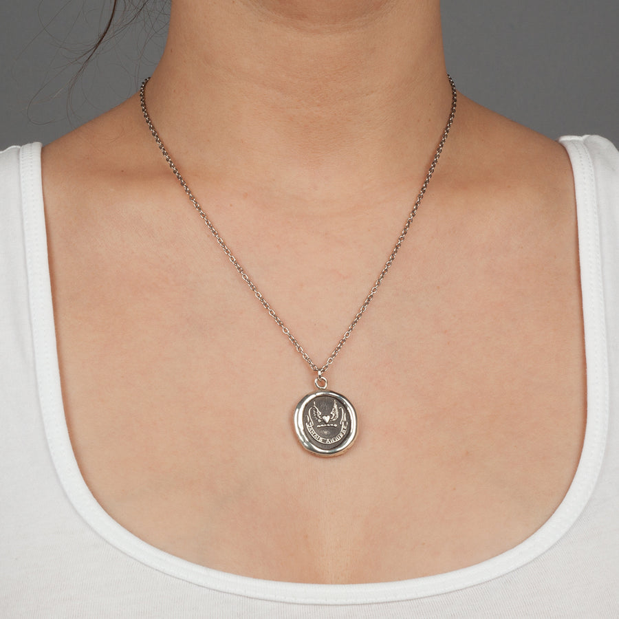 NEVER LOOK BACK PYRRHA TALISMAN NECKLACE