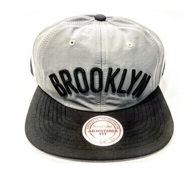 BROOKLYN NETS SNAP BACK GREY