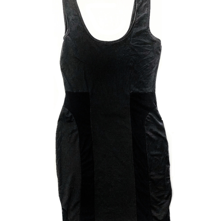 BLACK SLEEVELESS FITTED DRESS