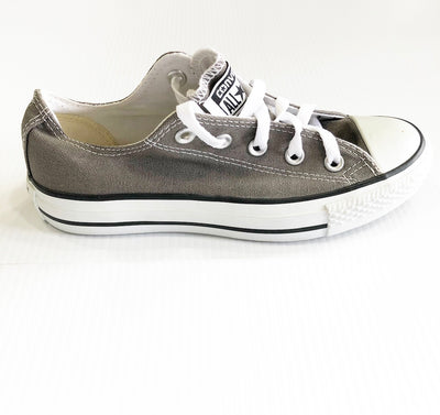 GREY CHUCKS LOW