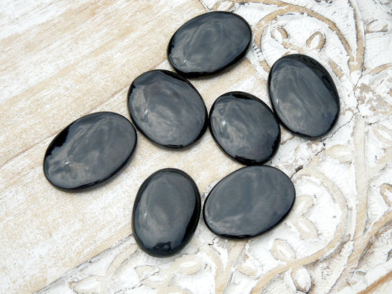 Black Agate Palm Stones