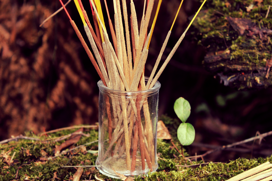 The uncanny aroma of Sandalwood accompanied with Indian spice, releasing high spiritual vibrations transporting the witch a higher plane. Sandalwood is also employed to help protect and heal…  Each pack contains 10 handmade incense sticks of your chosen aroma. With a rustic feel that will aid your ritual and spell work.