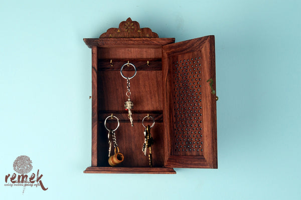 "Handcrafted Wooden Key Hanger - ""Jaali"""