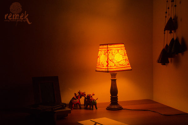 "Hand-painted ""Tholu Bommalata Art"" Table Lamp - Flower"