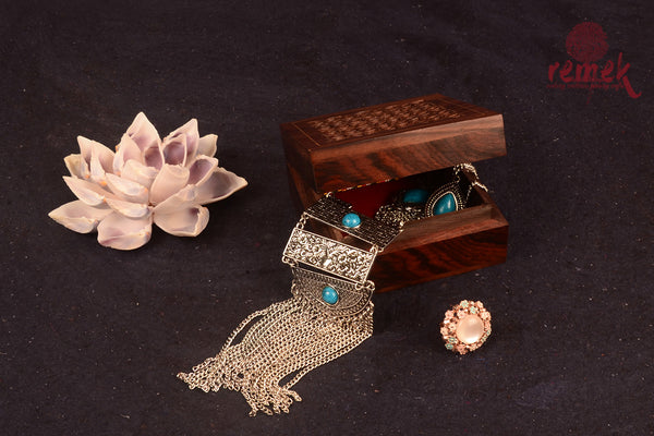 Handcarved Jewellary box with jaali design
