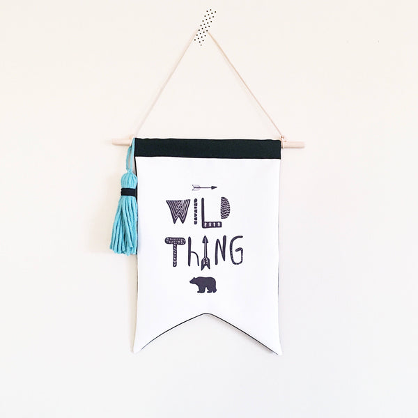 Wall flag - Wild thing flag - Grizzly bear