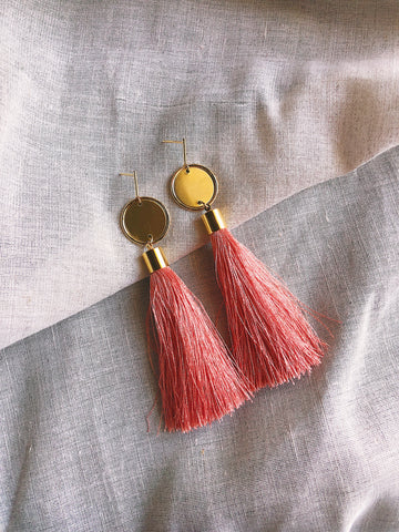 Long silk tassel earrings - Peach - kookinuts