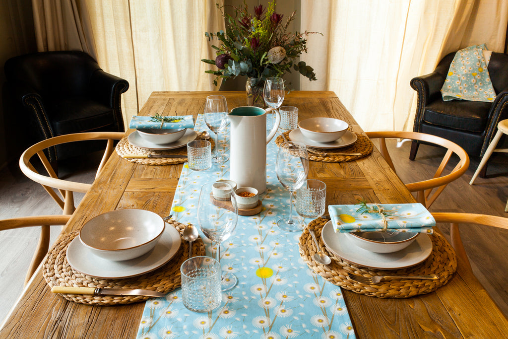 TABLE RUNNER: DANDELION ORGANIC COTTON