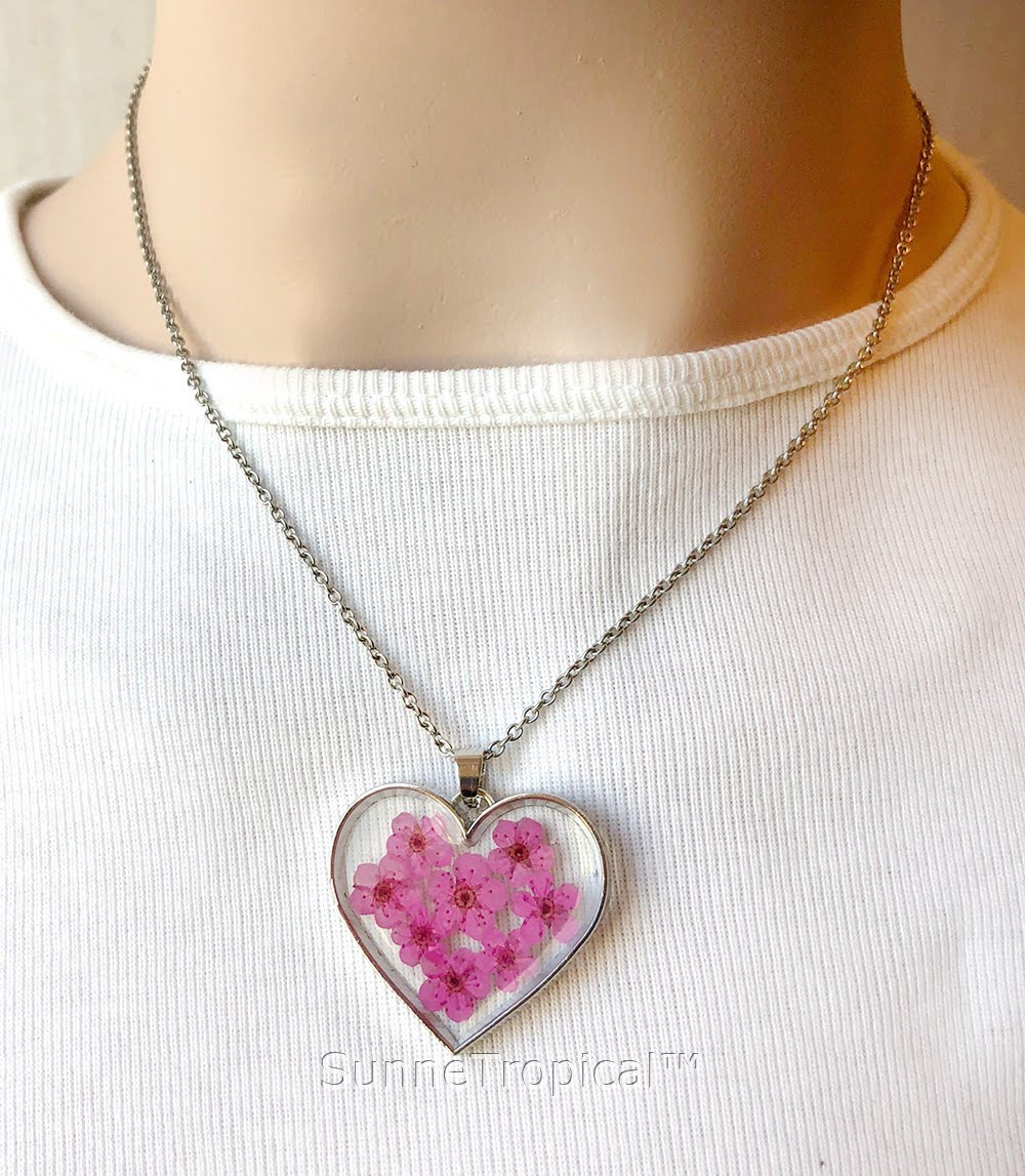 Forget me not flower gold plated heart pendant necklace pink forget me not flower gold plated heart pendant necklace pink mozeypictures Images