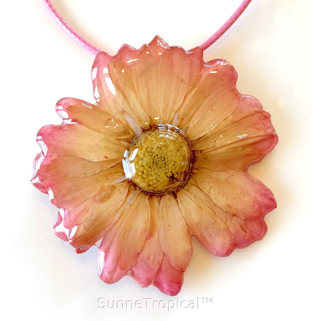 DAISY MUM real flower jewelry pendant necklace - PINK