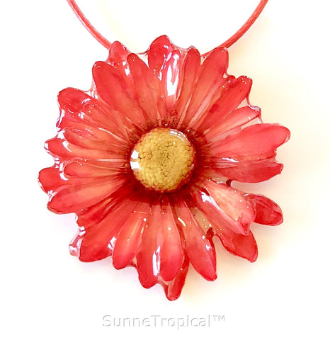 DAISY MUM real flower jewelry pendant necklace - Red