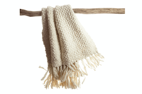 Clouds - Chunky knit throw by Homelosophy | JANGEORGe Interior Design