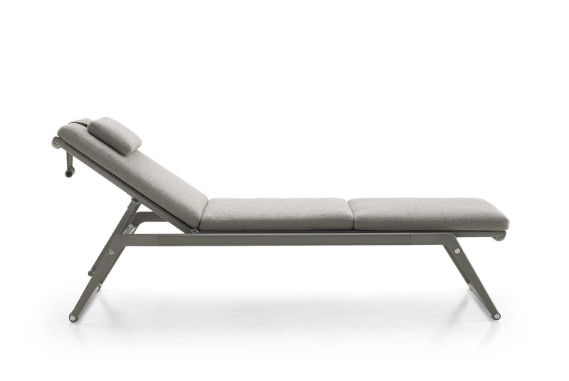 Mirto Outdoor Chaise Longue | B&B Italia | JANGEORGe Interior Design