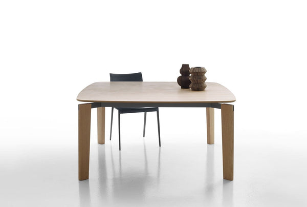 Oskar - Table by B&B Italia | JANGEORGe Interior Design