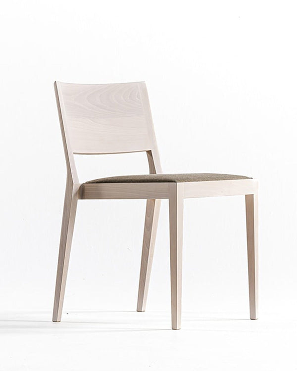 A Chair in the Forest - Chair | DePadova | JANGEORGe Interior Design