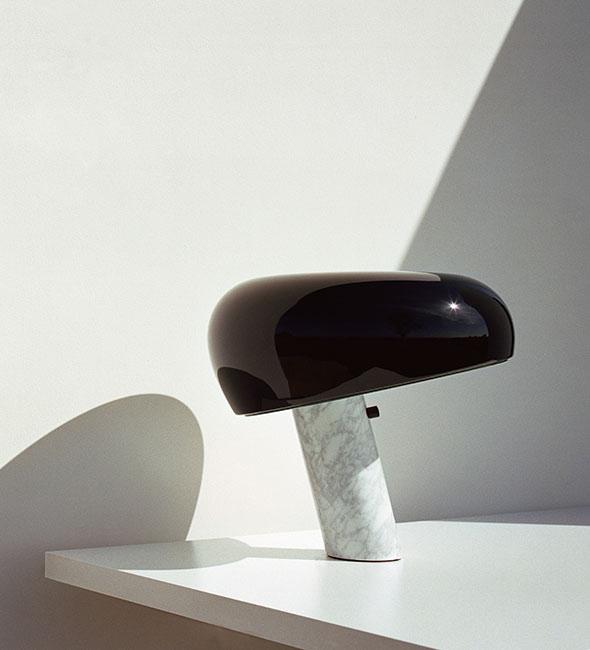 Snoopy Table Lamp, Glossy Black with Marble Base | Flos | JANGEORGe Interior Design