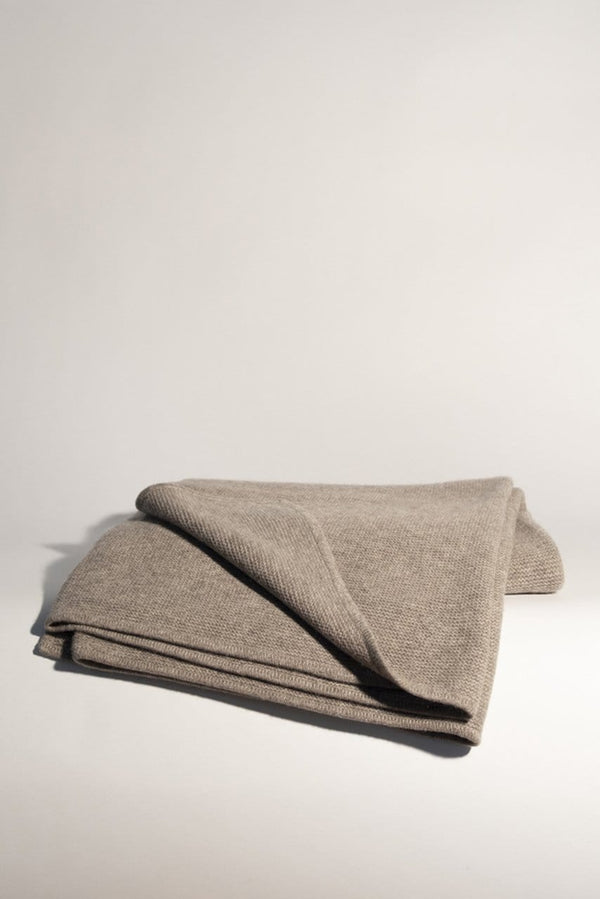 Yak Down Solid Platinum Purl Knit Throw | Hangai | JANGEORGe Interior Design