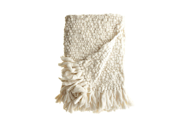 Clouds - Chunky knit throw blanket by Homelosophy | JANGEORGe Interior Design