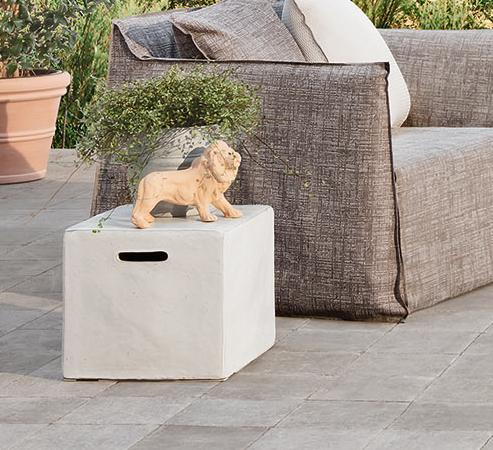 InOut 44 Ceramic side table/ottoman