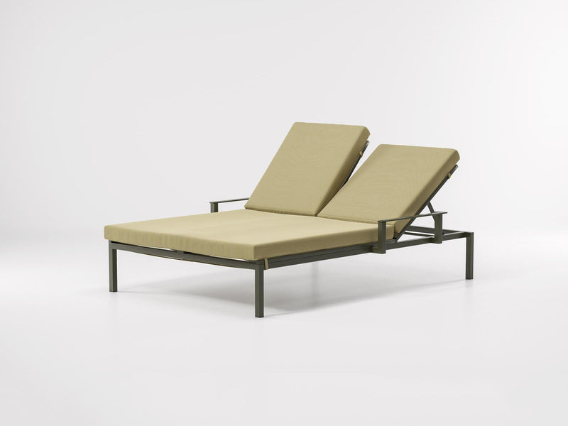 Landscape - Double Via Deckchair with Arms by Kettal | JANGEORGe Interior Design