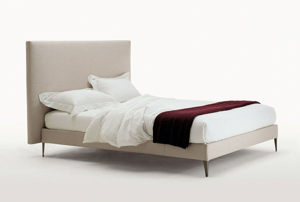 Filemone - Ovidio - Bed by Maxalto | JANGEORGe Interior Design