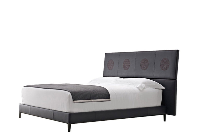 Lucrezia - Erik - Bed by Maxalto | JANGEORGe Interior Design