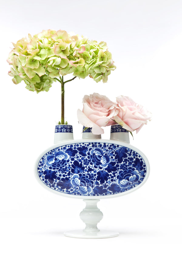Delft Blue 03 - Vase by Moooi | JANGEORGe Interior Design