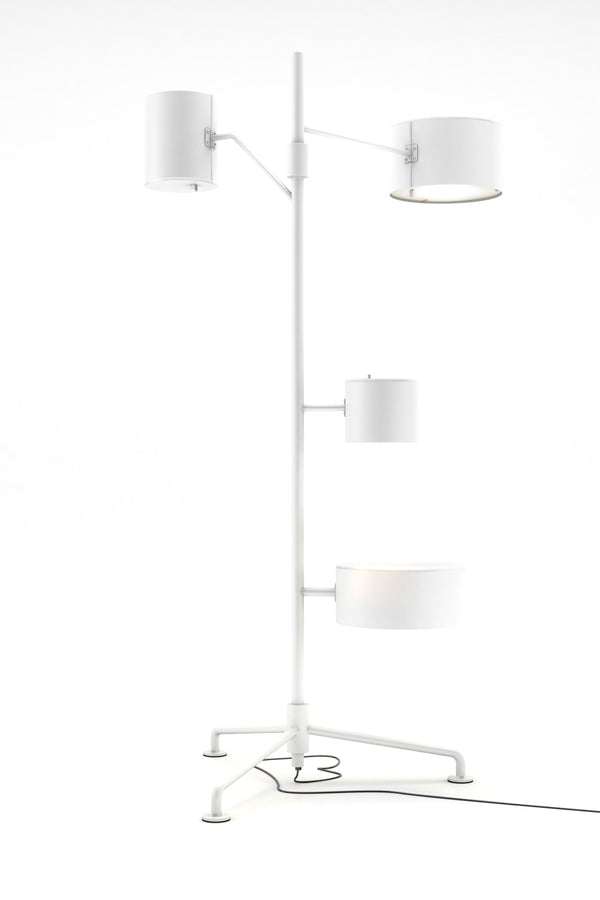 Statistocrat - Floor lamp CU by Moooi | JANGEORGe Interior Design