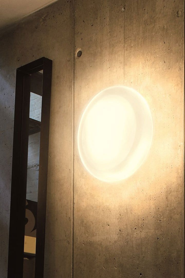 La Sixty 107 - Wall lamp by Oluce | JANGEORGe Interior Design