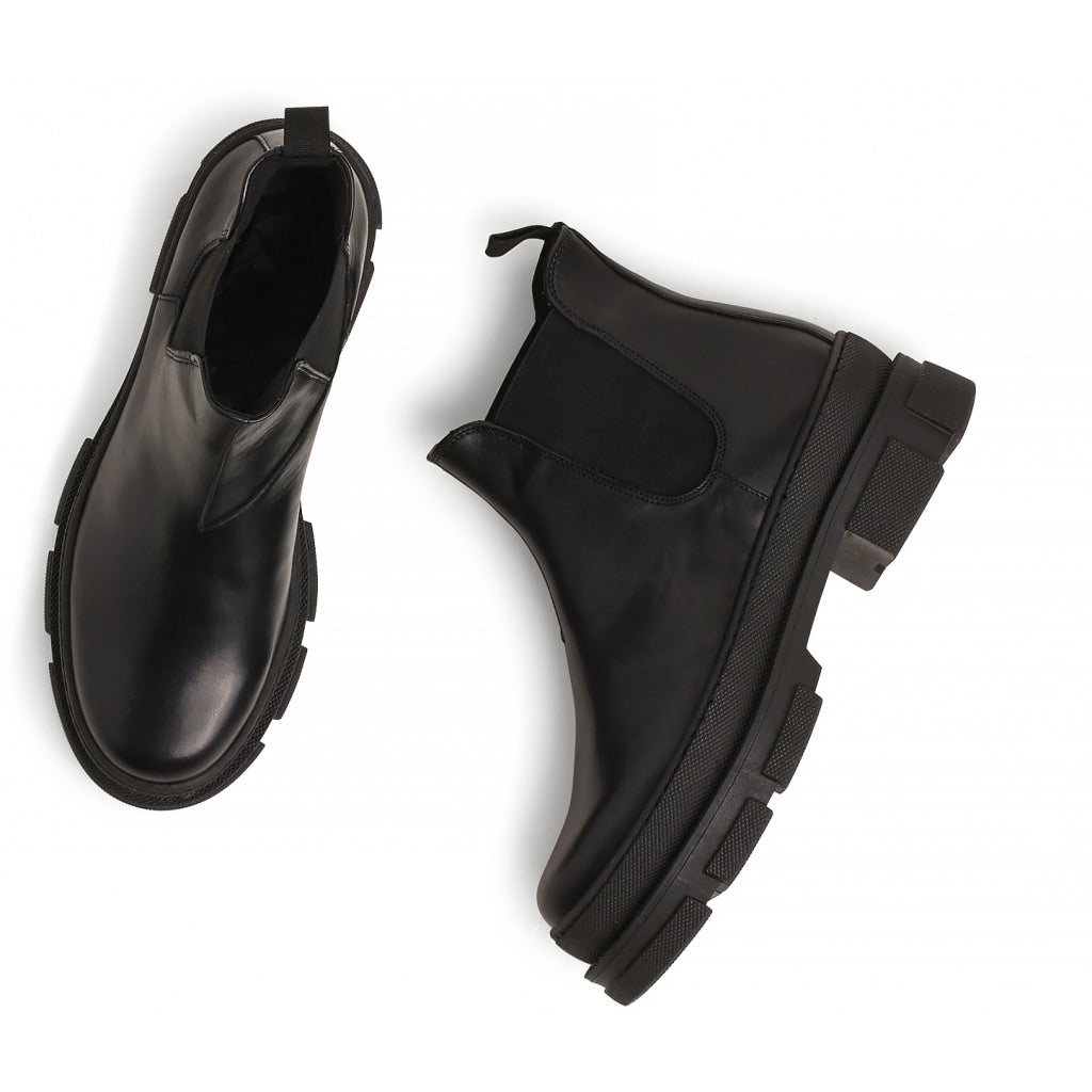 Irean Chelsea Boot, black leather