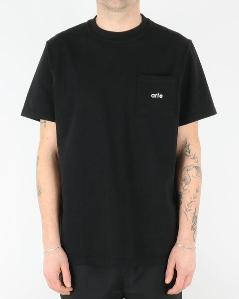 arte_tomi pocket t-shirt_black_1_3