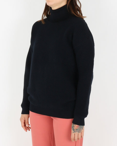 basic apparel_idena sweatshirt_night blue_view_2_4