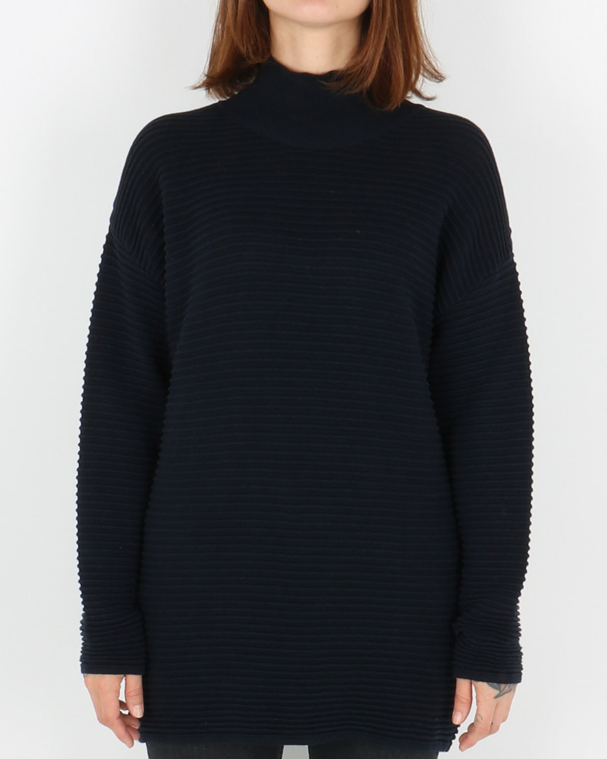 basic apparel_istabella t-neck_navy_1_4