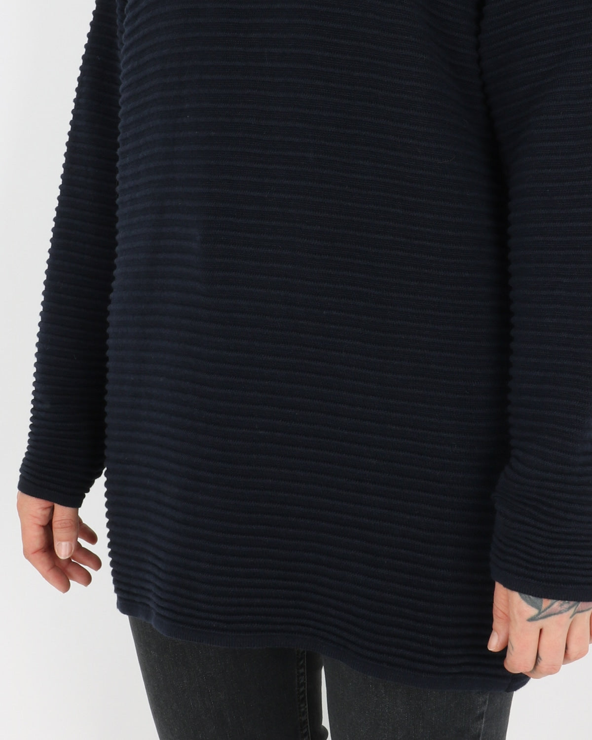 basic apparel_istabella t-neck_navy_3_4