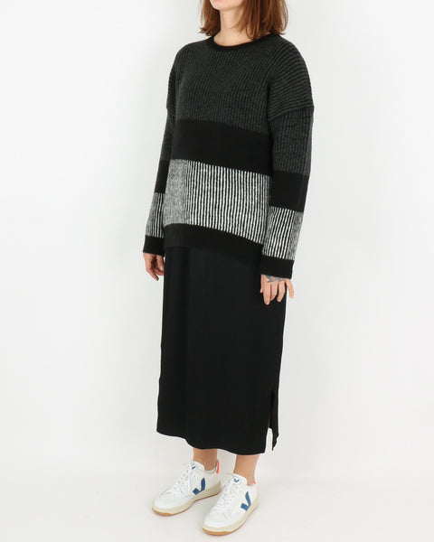 basic apparel_janis sweater_black_4_4