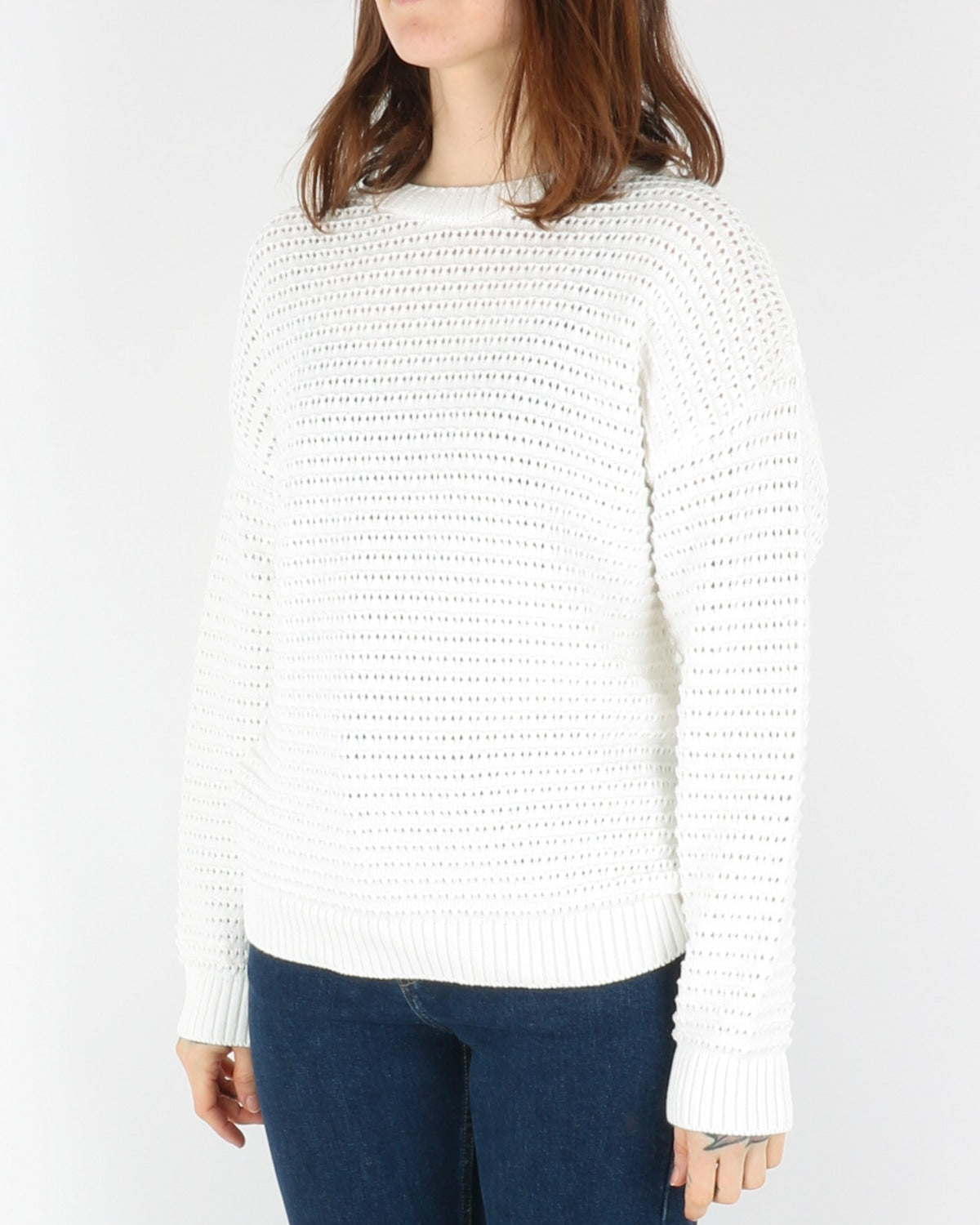 basic apparel_enya sweater_white_2_3
