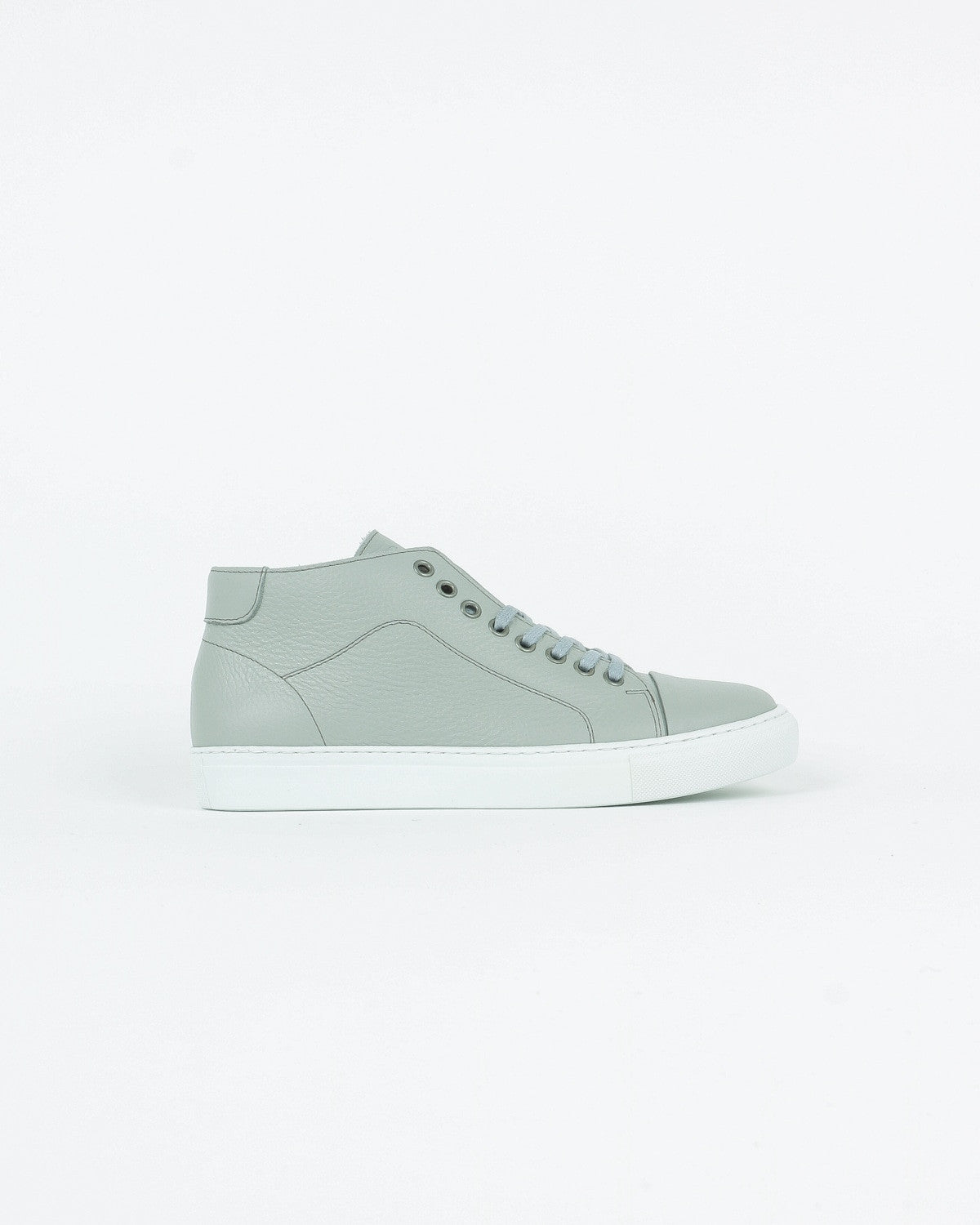garment project_classic lace mid sneaker_grey floater_view_1_3