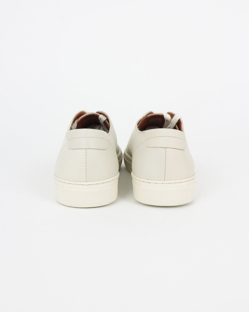 garment project_classic lace sneaker_offwhite_view_3_4