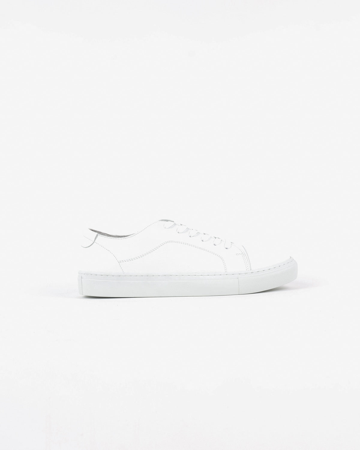 garment project_classic lace sneaker_white_view_1_4