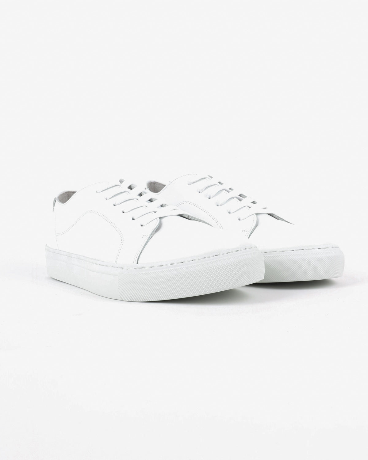garment project_classic lace sneaker_white_view_2_4