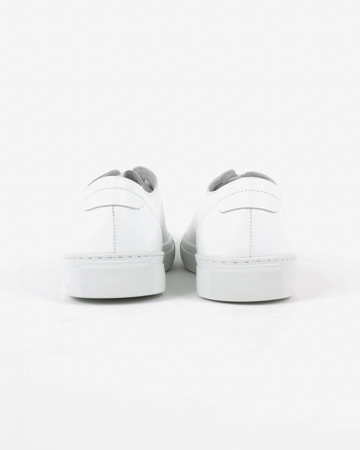 garment project_classic lace sneaker_white_view_3_4