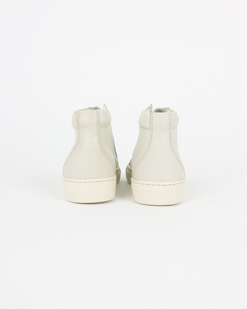 garment project_legend sneaker_offwhite_wmn_view_2_4