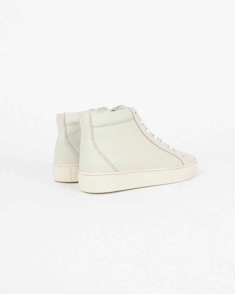 garment project_legend sneaker_offwhite_wmn_view_3_4