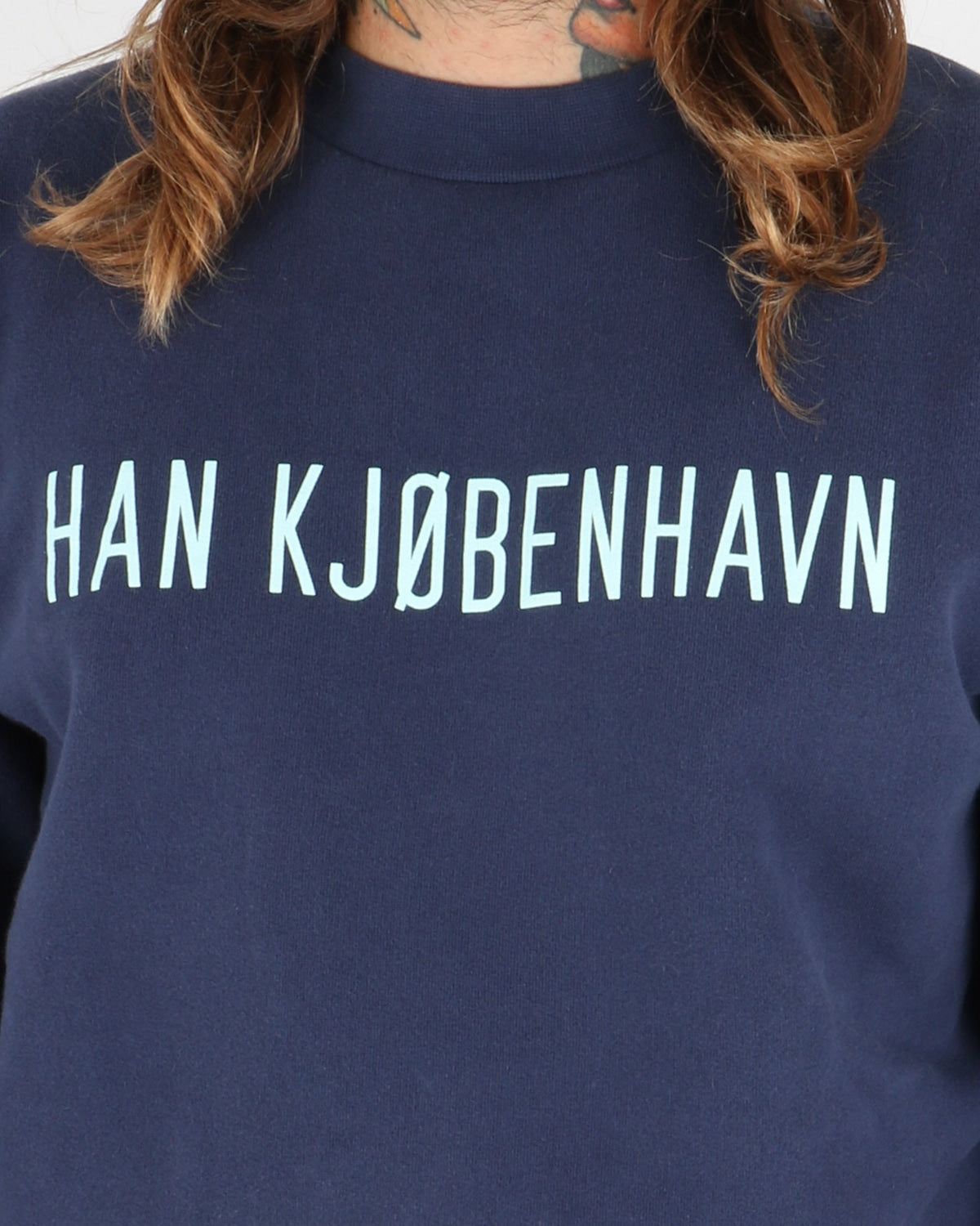 han kjobenhavn_casual crew neck_navy_view_2_3