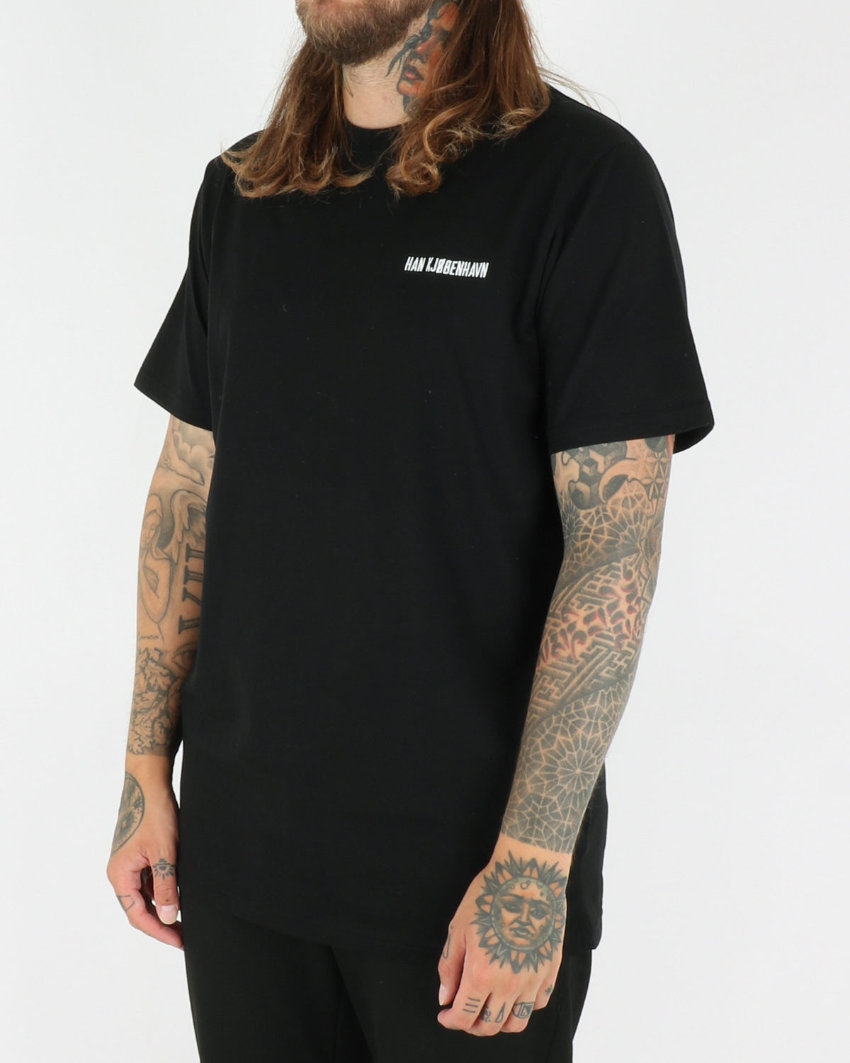 Casual Tee, black chest logo
