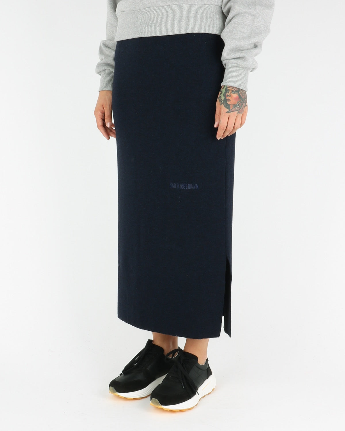 han kjobenhavn_knit skirt_navy_view_2_3