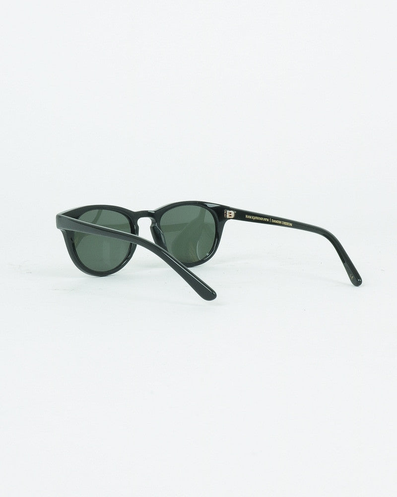 han kjobenhavn_timeless sunglasses_black_view_3_4