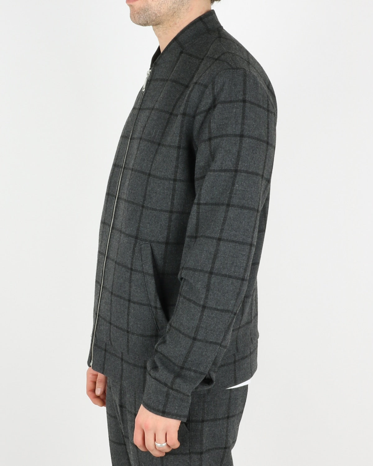 les deux_como wool check bomber_charcoal black_2_4